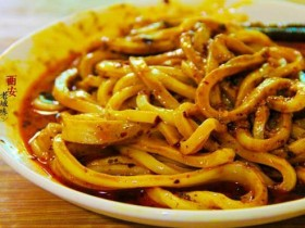 陕西小吃:麻酱酿皮