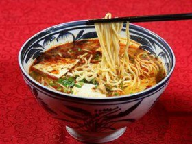 陕西小吃:咸汤面